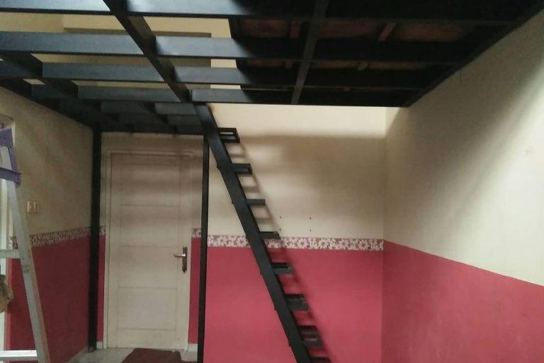 tangga besi baja terjamin sion constructuion surabaya konstruksi bangunan berpengalaman bahan terjamin kualitas terbaik pelayanan terbaik