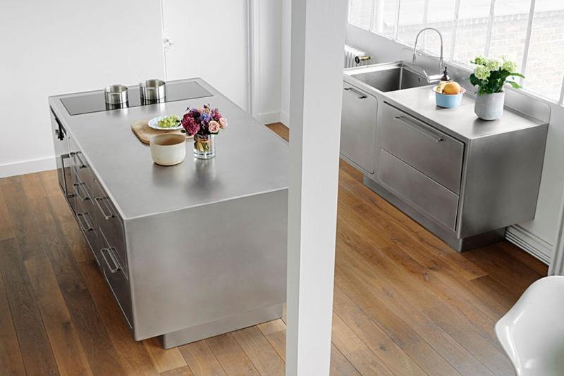 Ide Desain Interiror Dapur dengan Stainless Steel2