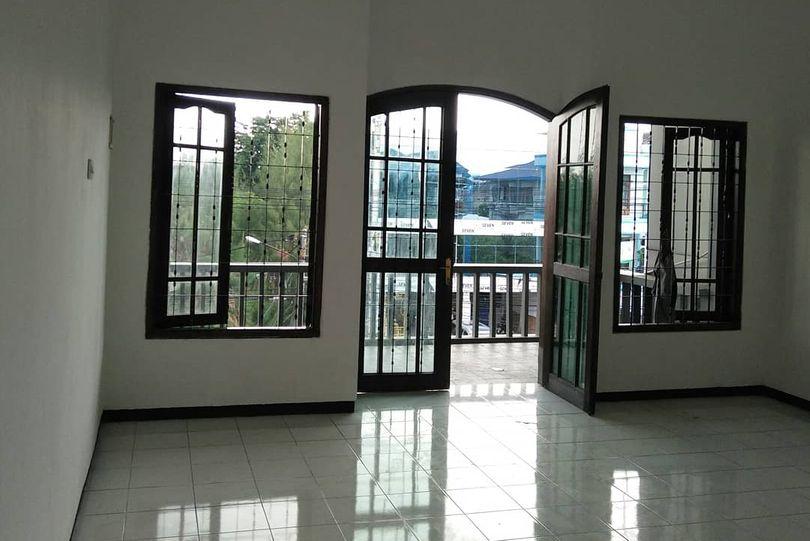 jendela besi kualitas terbaik baja tebal murah terjamin kualitas terbaik konstruksi surabaya kota metropolis minimalis