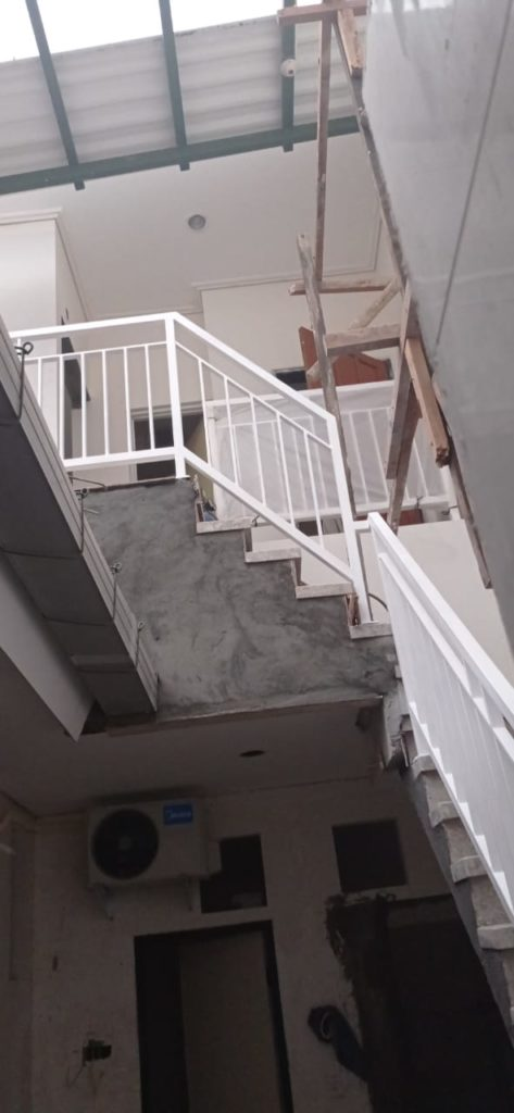 railing tangga besi surabaya