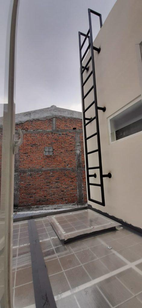 tangga monyet besi
